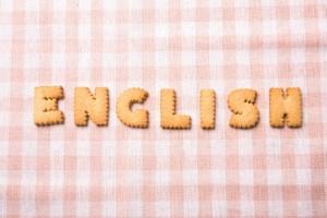 """""""ENGLISH""""の文字をお菓子で表現"""